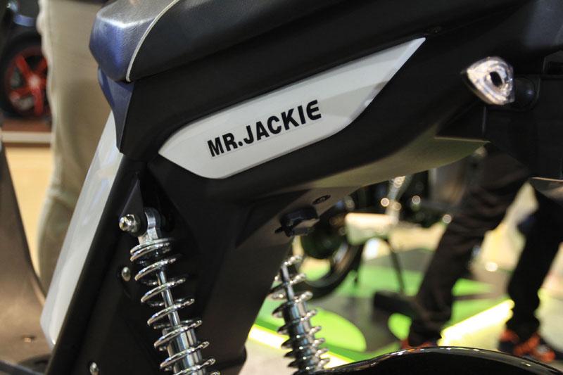 Mr Jackie Luncurkan Sepeda Listrik Viales EB907 di IIMS 2017