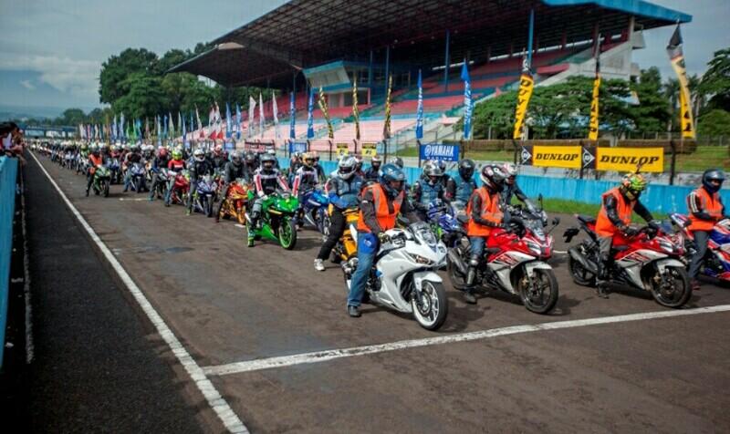 Yamaha Sunday Race 2017 Manjakan Komunitas dan Tim Balap Yamaha