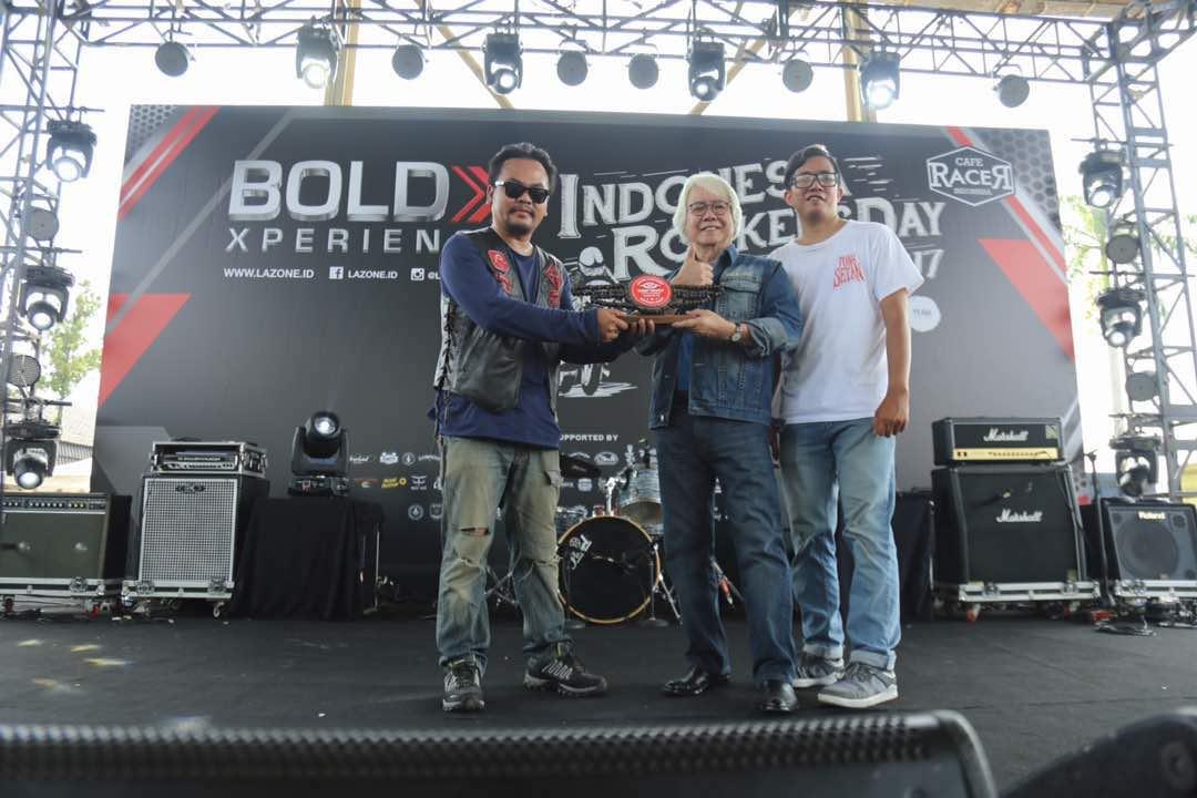 Lifetime Achievement Award untuk Benny Hidayat
