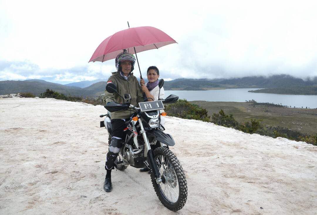 Ini Alasan Jokowi Naik Motor Trail