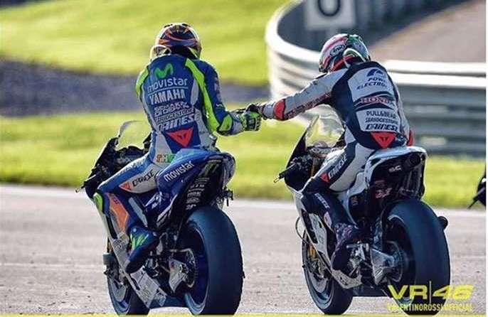 Rossi curahkan perhatian pada Nicky Hayden
