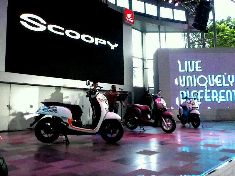Charging HP di Honda Scoopy