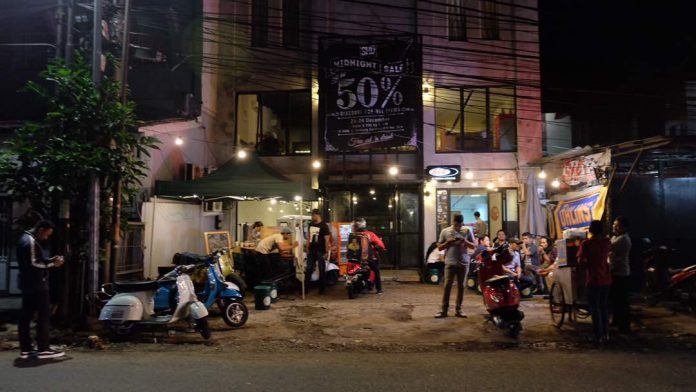Midnite Sale Scooter House Djakarta