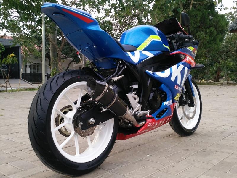 Modifikasi Suzuki Gsx R150 Jadi Kece Paduan Motogp Dan Bsb