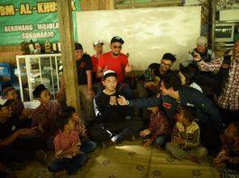 anak-anak panti asuhan Al Khusna solo bertemu artis motorbaik