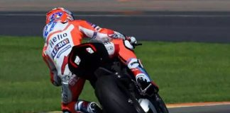 Casey Stoner Mengetes Ducati Panigale V4