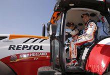 Marquez dan Pedrosa mengendarai traktor