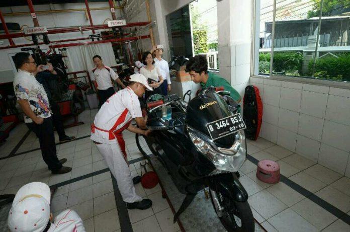 SMK binaan Wahana Honda dikunjungi Honda Vietnam