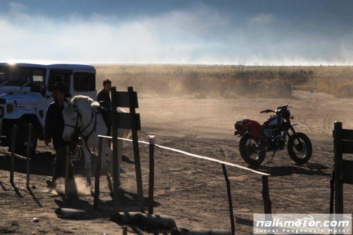 Merekam Suasana Pagi di Bromo dalam Motul Riding Story