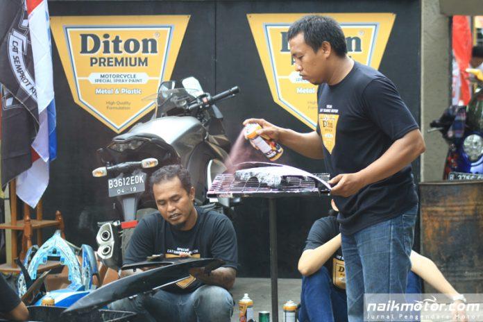Cat Semprot Diton Premium