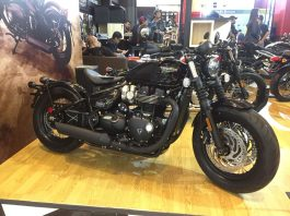 Triumph Bobber Black dan Street Triple RS