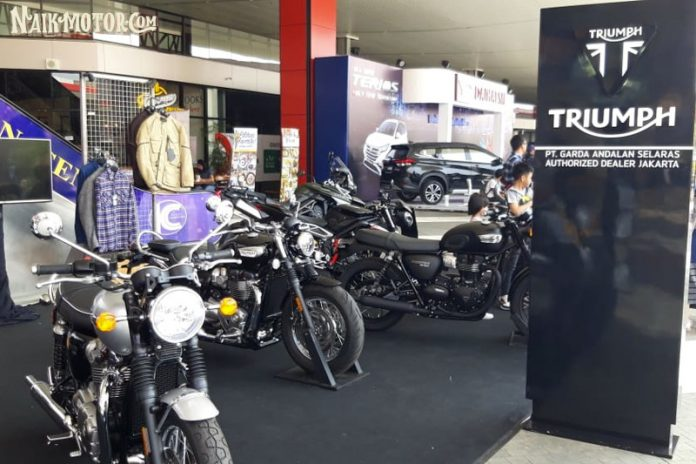 Triumph Speedmaster dan Tiger 800 XCX Meluncur di The 2nd Indonesia Autovaganza