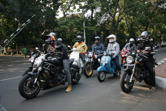 Gathering Pertama Pemakai Helm Bell di Indonesia