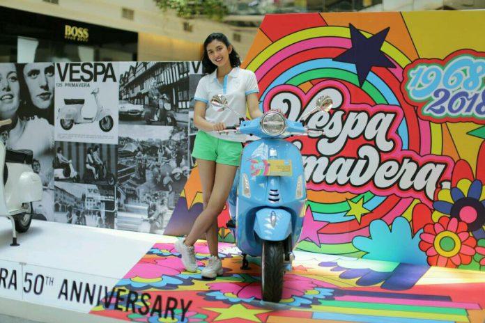 Vespa Primavera 50 Tahun Hadir di PIM2