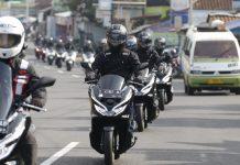 Jurnalis Pacu Honda PCX dan CBR150R
