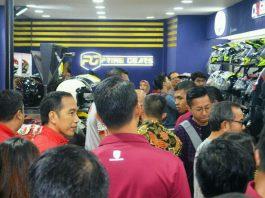 Jokowi Beli Helm Retro Cargloss