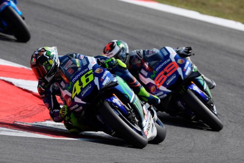 Rossi Tak Terlalu Pikirkan Juara Dunia, Hanya Fokus Kalahkan Lorenzo