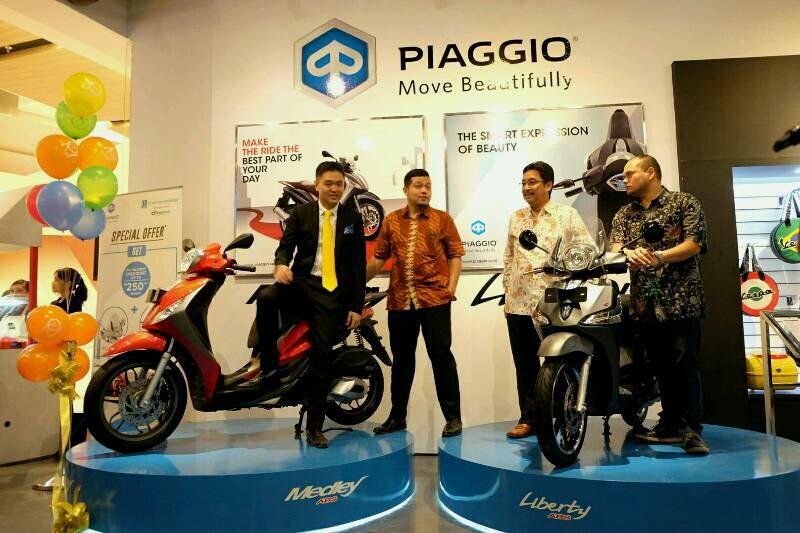 Diler Piaggio Pertama di Mall