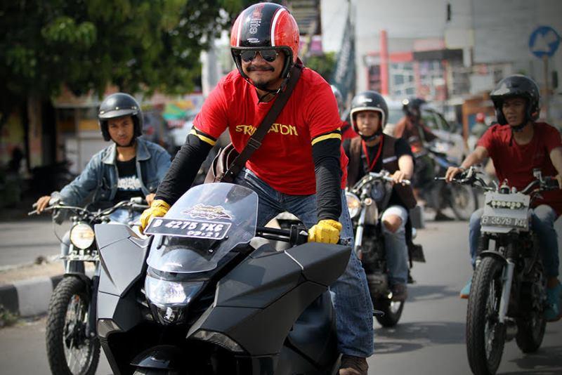 Test Ride Honda NM4 Vultus