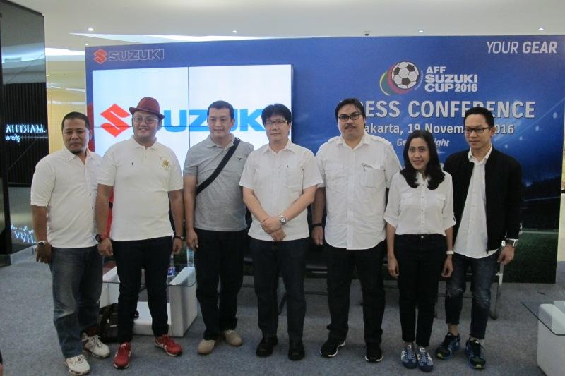 PT SIS Gelar Nonton Bareng AFF Suzuki Cup 2016 di 203 Titik