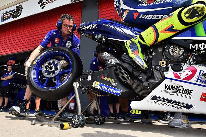 Mulai 2017, Pilihan Ban Pembalap MotoGP Bisa Dilihat di Siaran TV