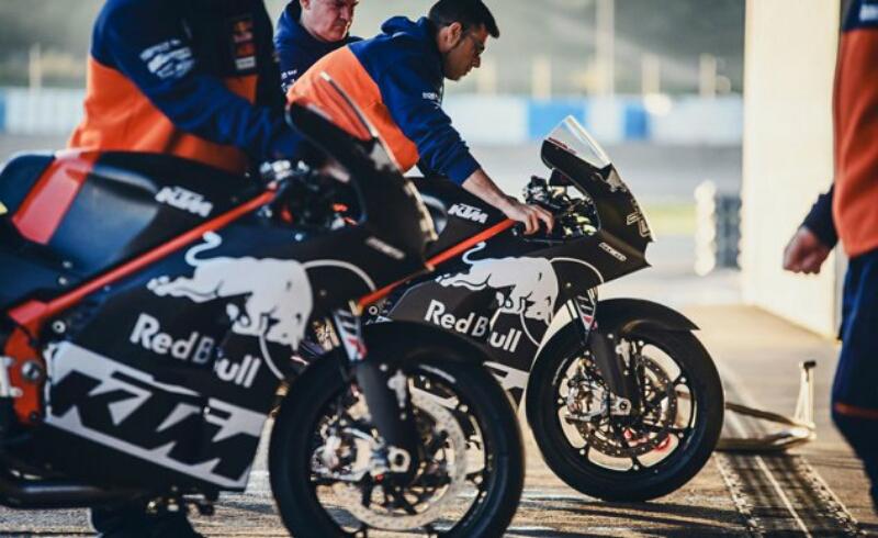 KTM Lahirkan RC16 MotoGP Versi Produksi