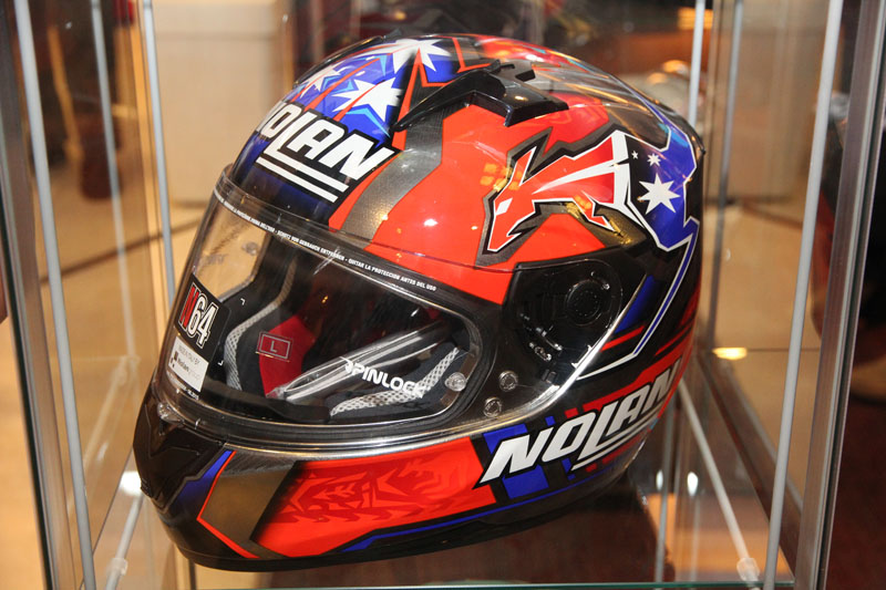 Distributor resmi helm Nolan