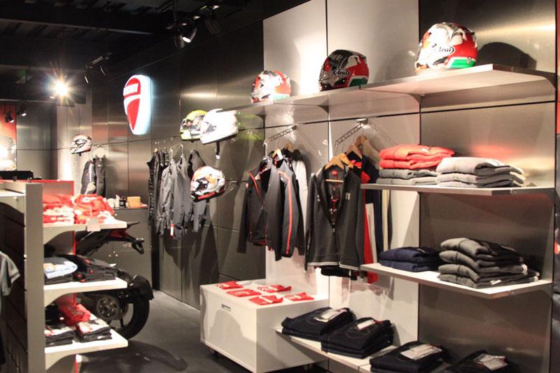 harga apparel Ducati