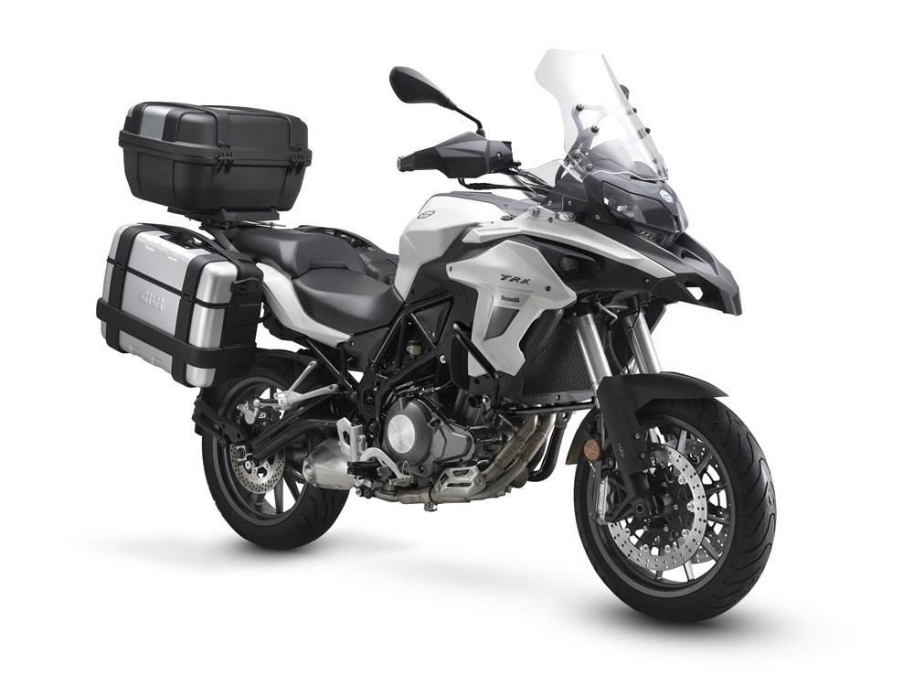 Benelli TRK 502 Siap Menantang Honda CB500X