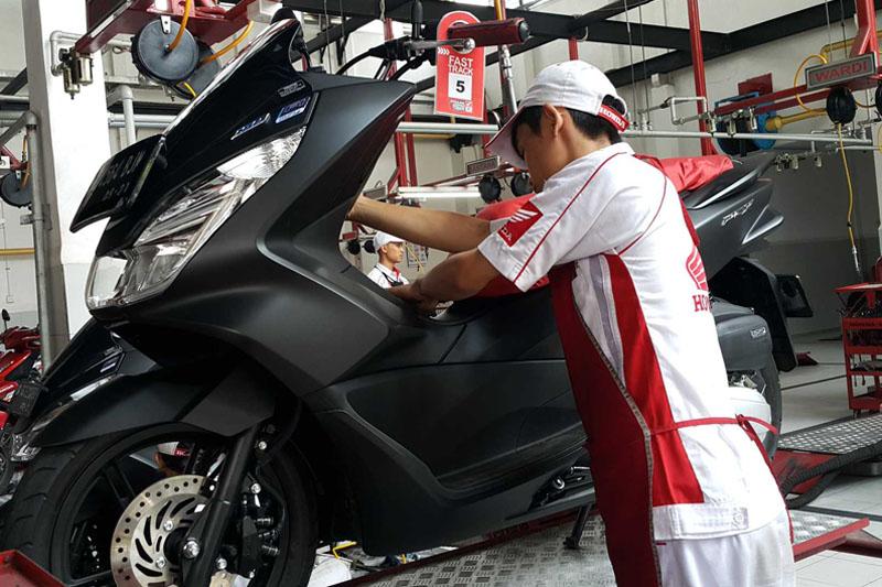 Tenang, Servis Motor Honda di AHASS Kini Enggak Ada Liburnya