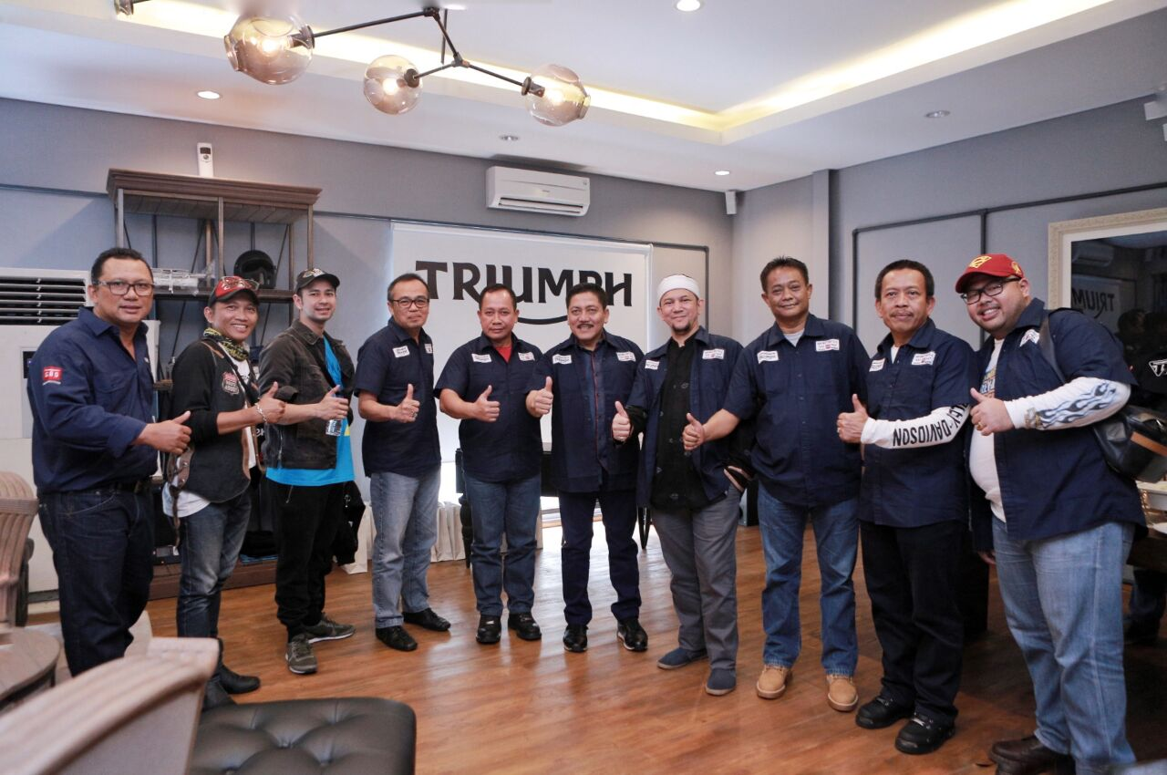 Launching GAS Motorcycle Triumph