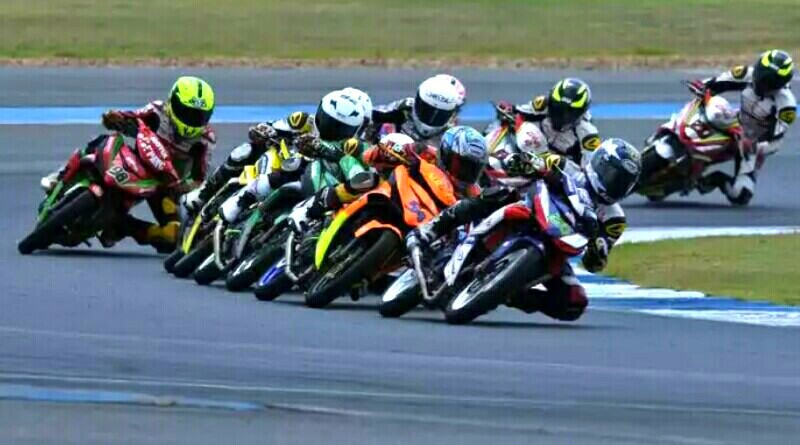 Wahyu Aji berhasil Kumandangkan Indonesia Raya di Race 2