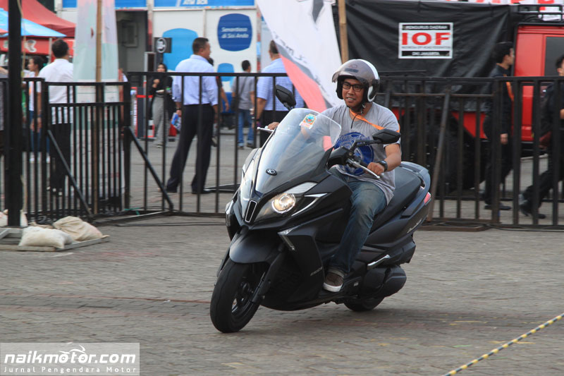 Test Ride Kymco Downtown