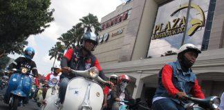 Rolling Thunder Indonesia Scooter Festival 2017 Dipadati Ribuan Pecinta Vespa