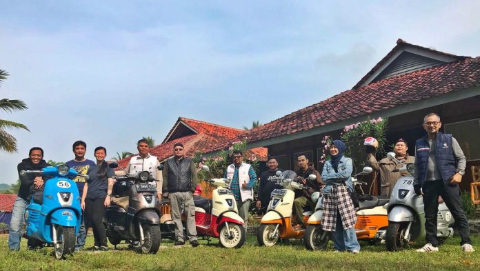 Touring Peugeot Scooters Family ke Pelabuhan Ratu