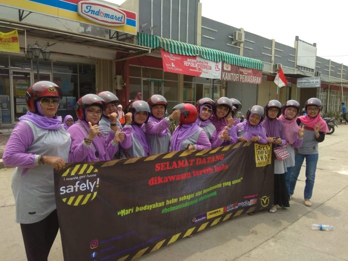 Kampanye Helm untuk Emak