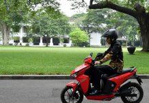 Jokowi Akan Beli 100 Unit Motor Listrik GESITS
