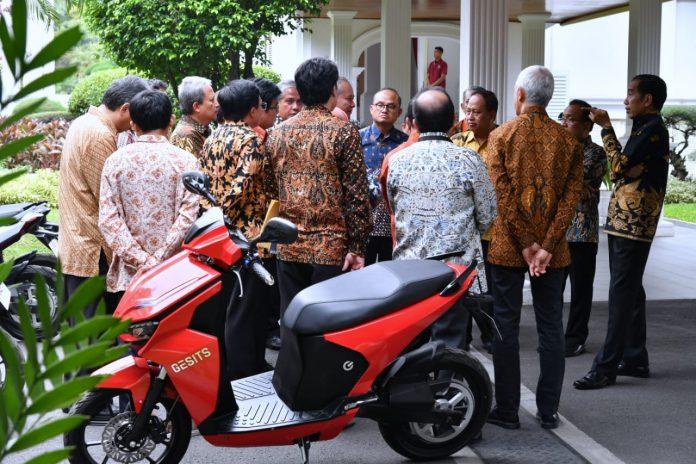 Motor Listrik Gesits Mulai Dijual di IIMS 2019
