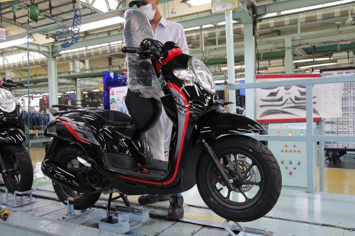 Warna dan Grafis Baru Honda Scoopy 2019