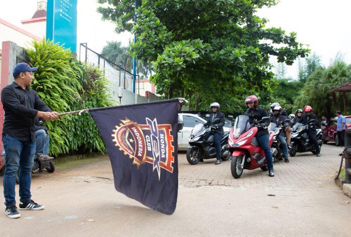 PCX Luxorius Ride