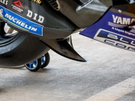 Yamaha Pasang Swingarm Winglet