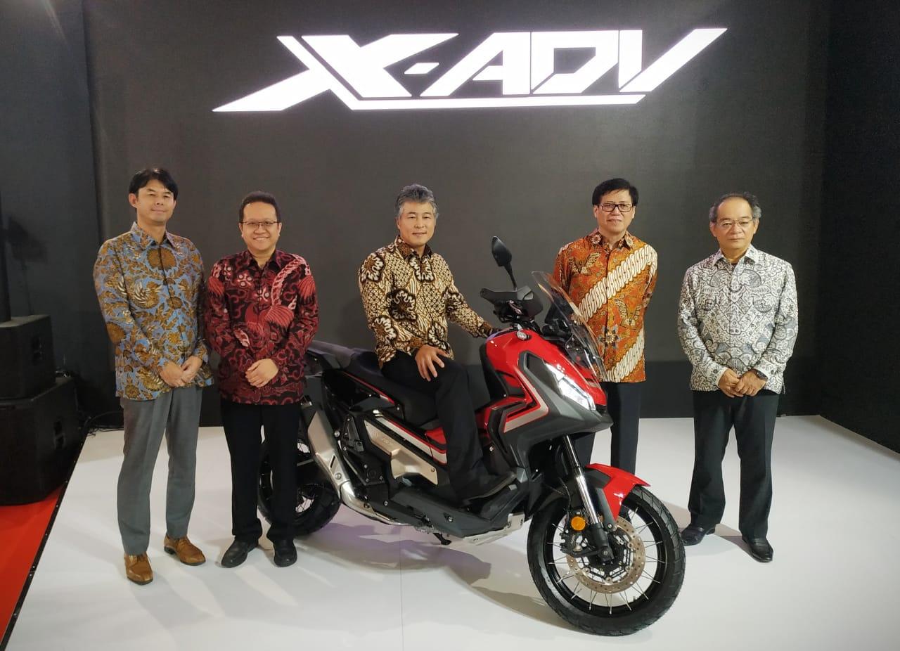 Honda X ADV meluncur