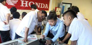 Honda Sertifikasi Kompetensi 824 Guru SMK Binaan