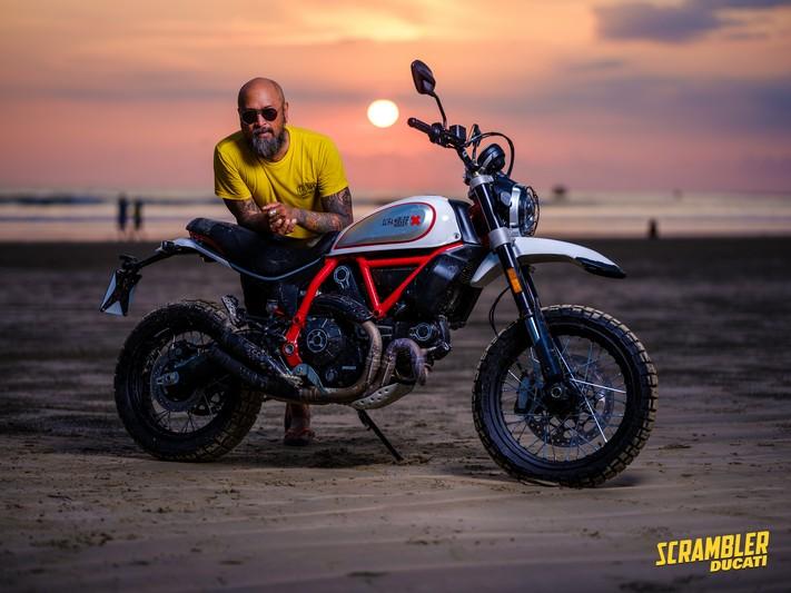 Ade Habibie Saat First Ride Scrambler Ducati Icon dan Desert Sled