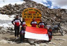 Himalayan Ridge Mencapai Khardung