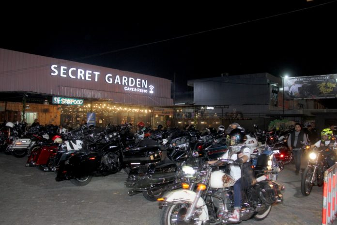 Ratusan Pemotor Harley-Davidson Geruduk