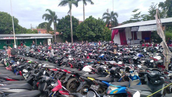 pelelangan sepeda motor