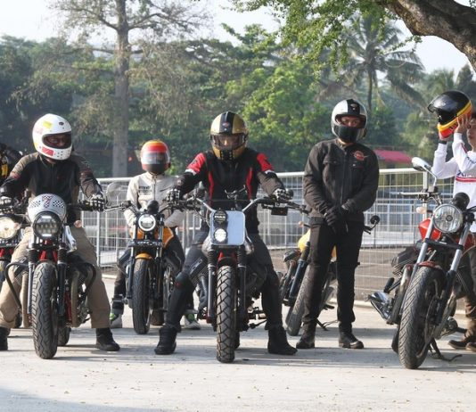 Safety Riding The Clan Moto Guzzi Latih Skill dan Emosi