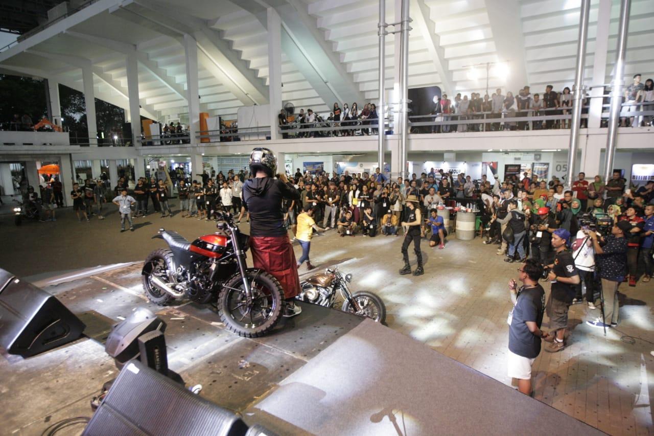 Kemeriahan Malam Minggu di IIMS Motobike