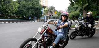 Lady Bikers Chopper